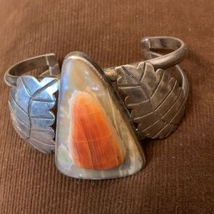 Jewelry - Native american carved shell sterl silver bracelet